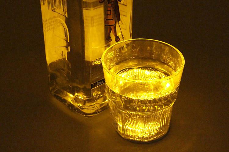2 PZ Luci Led Sotto Bottiglia Vino Grappa Sotto Bicchiere Colore Giallo Yellow Luminoso Per Bar Pub - KIT