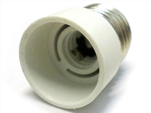 2 PZ Convertitore Adattatore Portalampada Per Lampada Attacco Da E27 A E14 - BUSTA