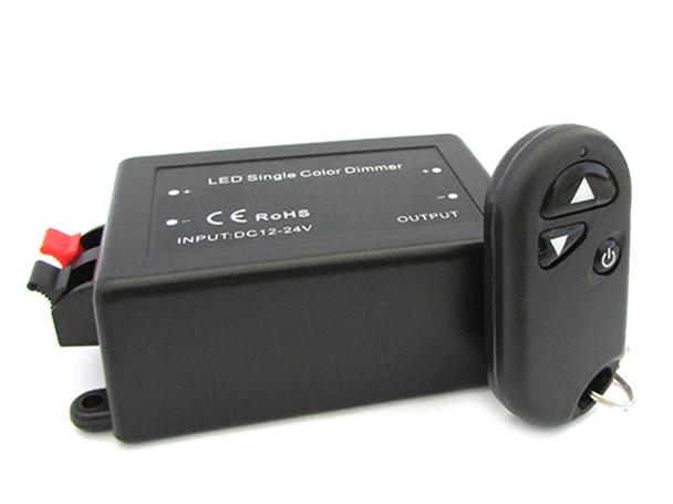 Led Dimmer PWM Con Telecomando RF Con Moschettone Accoppiabile Riprogrammabile 12V 24V 8A - KIT