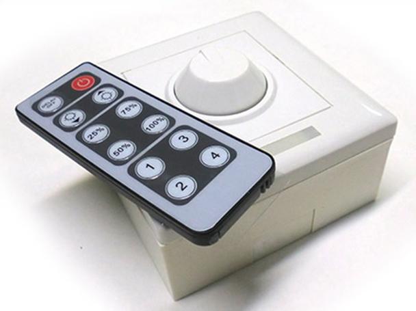 Led Dimmer PWM Kit Controller Segnale PWM Con Rotella e Telecomando IR Per Striscia Bobina Led 12V 8A - KIT