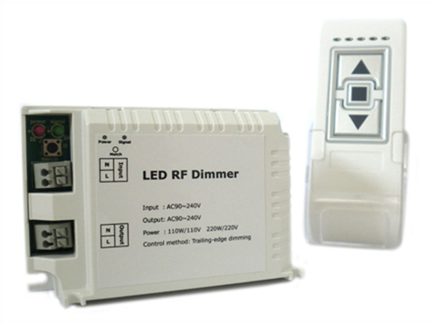 Varialuce Led Triac Dimmer SCR 220V 200W Telecomando Wireless Per Luci Lampade Led Dimmerabile DM014 - KIT