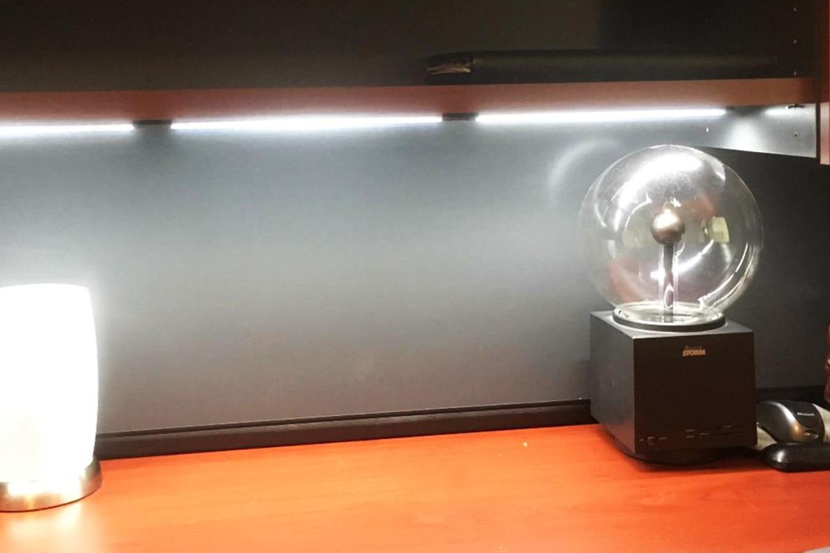 Plafoniere Slim Led Caldak : Barra led sottopensile luce calda neon per cucina