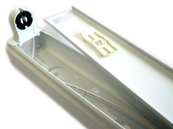 Plafoniera A Led 120 Cm : Porta lampada plafoniera per tubo neon t a led cm singolo
