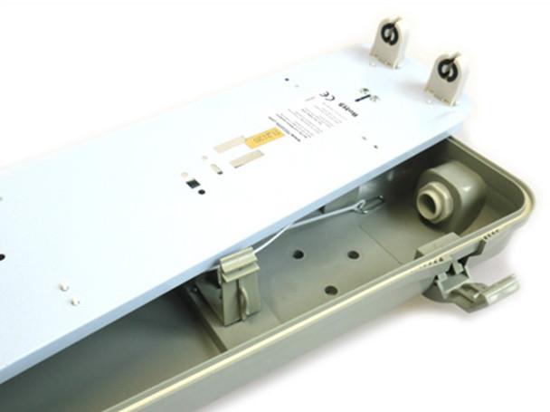 Plafoniere T8 : Plafoniera stagna doppio tubo led t cm impermeabile ip