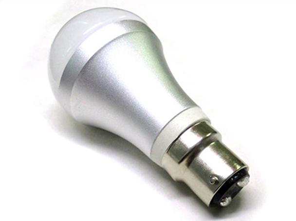 Lampada LED B22 220V 6W = 60W Incandescenza Bianco Freddo 6000K - PZ